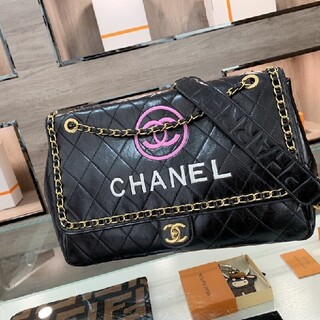 CHANEL - シャネルの旅行バッグ