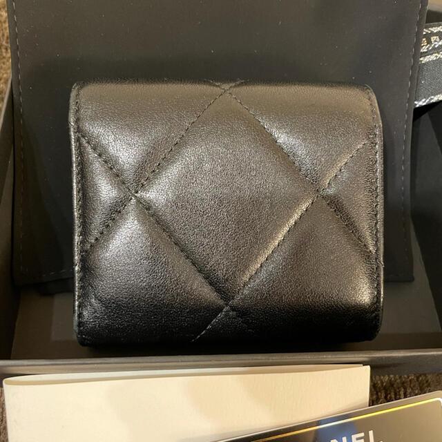 CHANEL(シャネル)のCHANEL 19  スモール フラップ ウォレット レディースのファッション小物(財布)の商品写真
