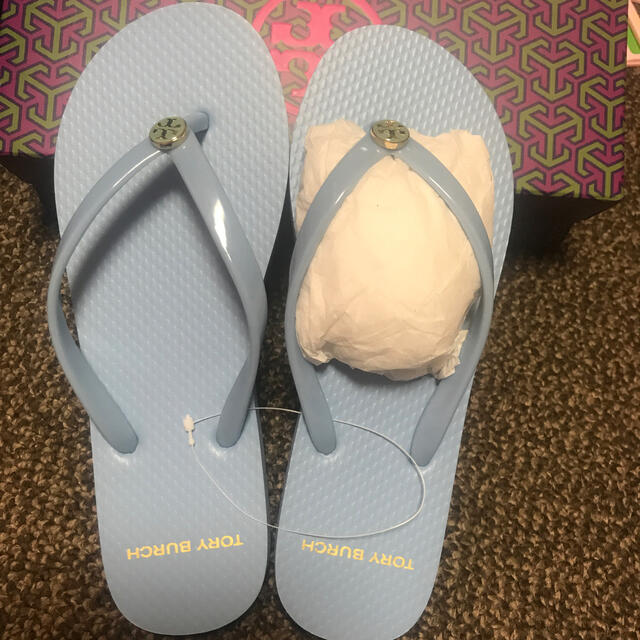 Tory Burch(トリーバーチ)の未使用〜トリーバーチ ビーチサンダル(6M) レディースの靴/シューズ(ビーチサンダル)の商品写真