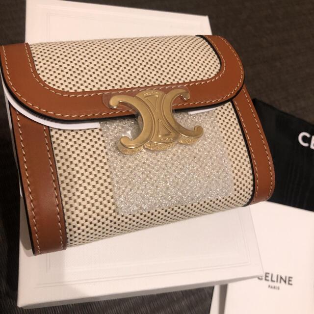celine(セリーヌ)のセリーヌ トリオンフ スモール フラップウォレット テキスタイル タンホワイト レディースのファッション小物(財布)の商品写真