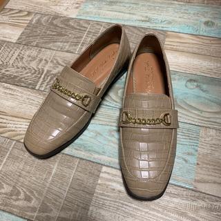 シマムラ(しまむら)のしまむらhk works londonチェーンビットローファー M ベージュ美品(ローファー/革靴)