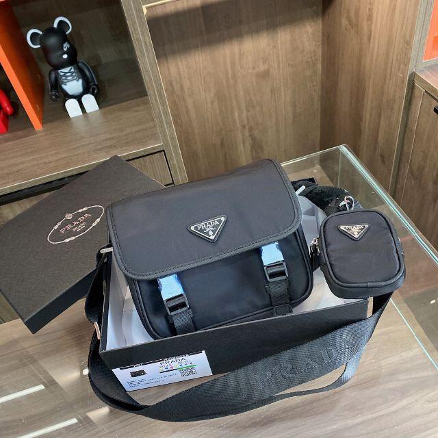 PRADA(プラダ)のprada  メンズのバッグ(メッセンジャーバッグ)の商品写真