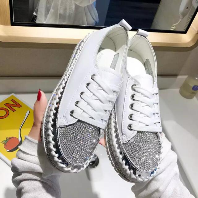 ZARA(ザラ)の【取り寄せ】ビジュー スニーカー レディースの靴/シューズ(スニーカー)の商品写真