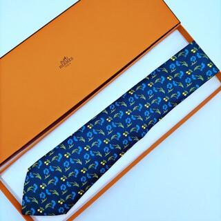 Hermes - 美品 HERMES エルメス ネクタイ 花柄 ネイビー シルク 絹 ブランド