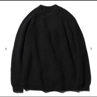 COMOLI - BATONER バトナー SIGNATURE CREW NECK BLACK