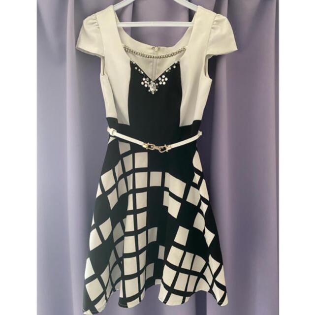 JEWELS(ジュエルズ)のJewels Aライン モノトーン Mサイズ ミニドレス キャバドレス レディースのフォーマル/ドレス(ミニドレス)の商品写真
