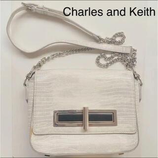 チャールズアンドキース(Charles and Keith)のCharles and Keith ショルダー チェーン バッグ(ショルダーバッグ)