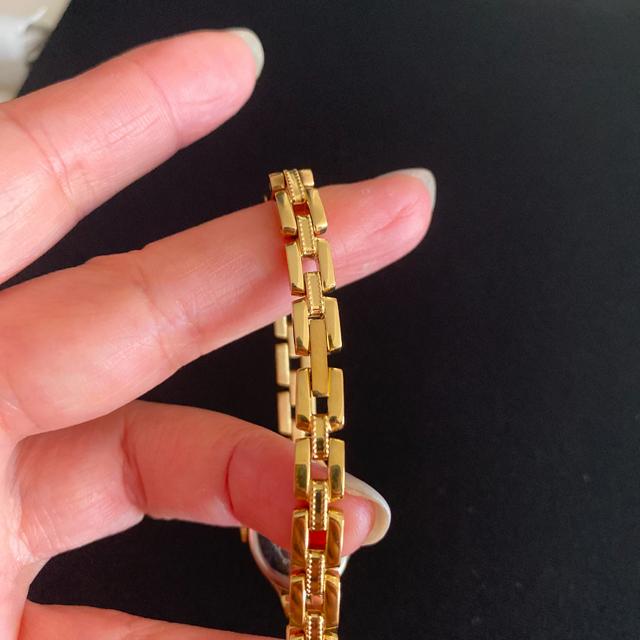 agete(アガット)のANA機内販売限定品 agete オーバル腕時計 稼働中 レディースのファッション小物(腕時計)の商品写真