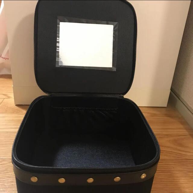 Yves Saint Laurent Beaute(イヴサンローランボーテ)のイヴ・サンローラン  メイクボックス コスメ/美容のメイク道具/ケアグッズ(メイクボックス)の商品写真