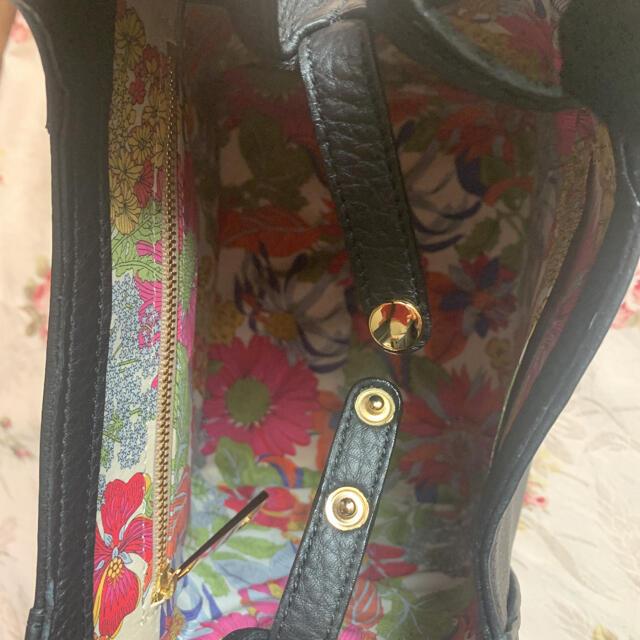 濱野皮革工藝/HAMANO(ハマノヒカクコウゲイ)の濱野 フィオーレ ピッコ ハンドバッグ ブラック HAMANO ハマノ レディースのバッグ(ハンドバッグ)の商品写真