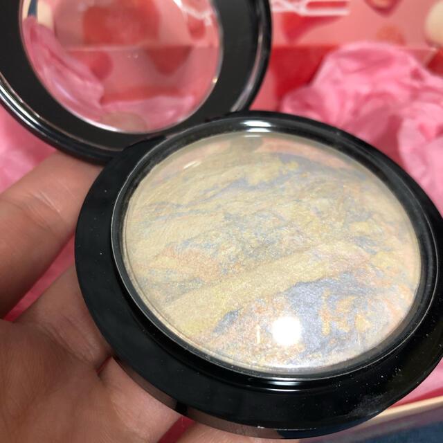 MAC(マック)のMAC ミネラライズスキンフィニッシュライトスカペード コスメ/美容のベースメイク/化粧品(フェイスパウダー)の商品写真