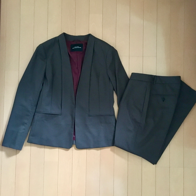 green label relaxing(グリーンレーベルリラクシング)のグリーンレーベルリラクシングカチリラジャケットパンツセットアップ 2019年購入 レディースのフォーマル/ドレス(スーツ)の商品写真