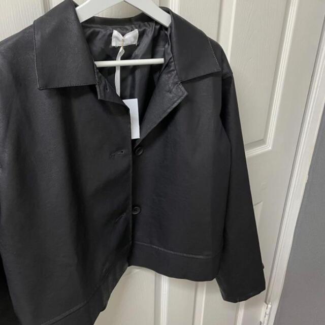 STYLENANDA(スタイルナンダ)の【予約商品】韓国製 フェイク レザージャケット 韓国ファッション 春服 レディースのジャケット/アウター(ノーカラージャケット)の商品写真