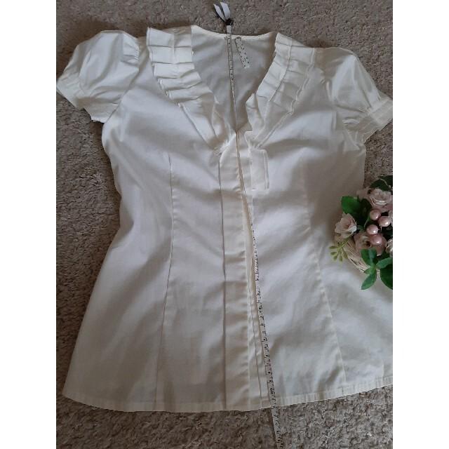 FOXEY(フォクシー)のFOXEYオフホワイトブラウス レディースのトップス(シャツ/ブラウス(半袖/袖なし))の商品写真