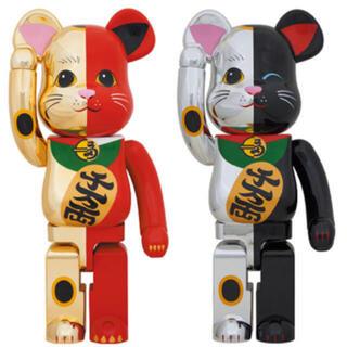 MEDICOM TOY - 新品 ベアブリック 招き猫 金×赤 1000%  銀×黒 1000%