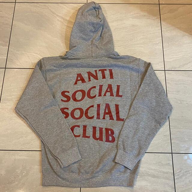 Supreme(シュプリーム)の【新品】AntiSocialSocialClub NO DRAMAパーカー メンズのトップス(パーカー)の商品写真