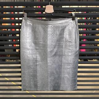 超美品 wb パイソン スカート シルバー 38 Mサイズ ヘビ革