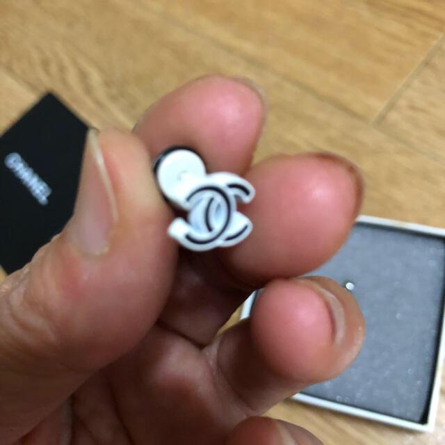 CHANEL(シャネル)のシャネル  ノベルティ  ピアス 片耳用2個セット レディースのアクセサリー(ピアス)の商品写真