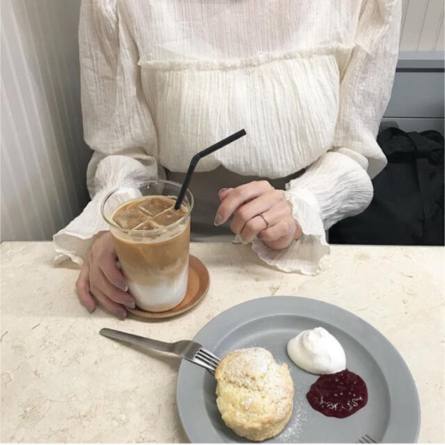 ZARA(ザラ)の【超美品】NUEbyAS * Romantic blouse レディースのトップス(シャツ/ブラウス(長袖/七分))の商品写真