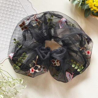 ZARA - 刺繍🦋Bigシュシュ🌼✨花柄 フォーマル 韓国 zara