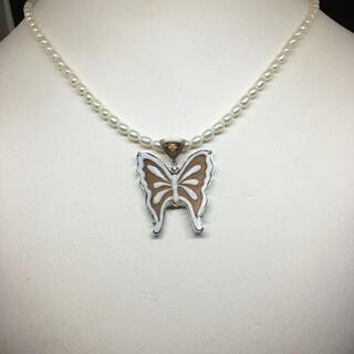 イタリア産シェルカメオ 蝶(ネックレス)