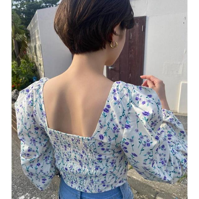 snidel(スナイデル)のflower square neck blouse レディースのトップス(シャツ/ブラウス(長袖/七分))の商品写真