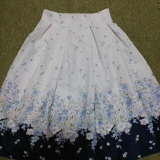 tocco - トッコクローゼッド 美しく咲き誇るお花たちが可憐なフレアスカート