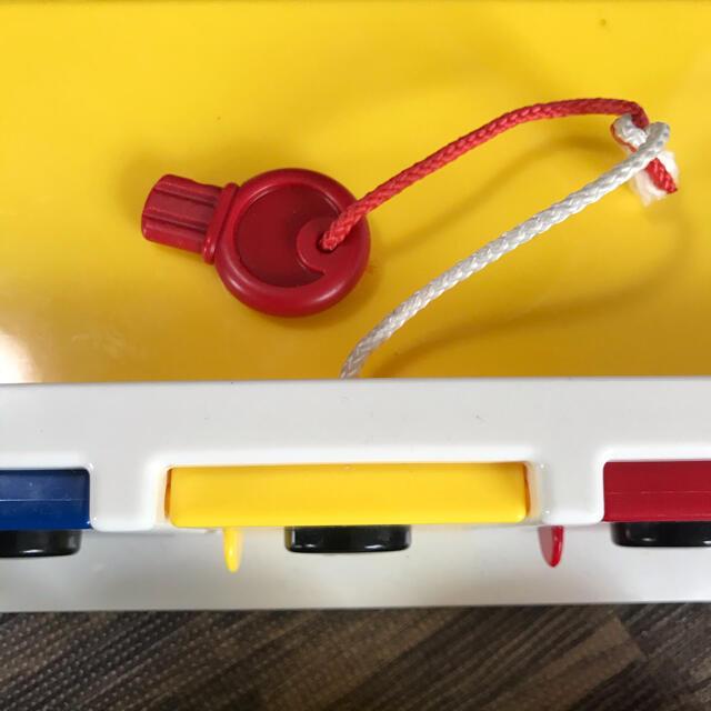 BorneLund(ボーネルンド)のボーネルンド アンビトーイ ロックアップガレージ車 キッズ/ベビー/マタニティのおもちゃ(知育玩具)の商品写真