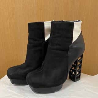 ブラックショートブーツ★エナメル&スエード