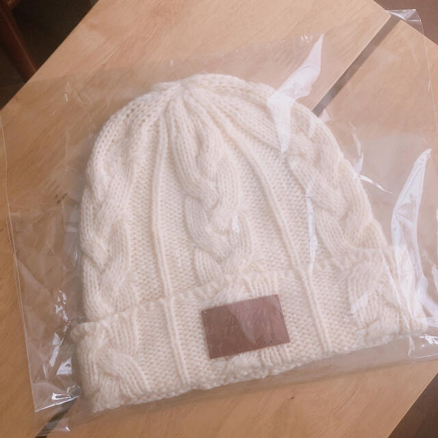 STUSSY(ステューシー)の美品 ステューシー ニット帽 レディースの帽子(ニット帽/ビーニー)の商品写真