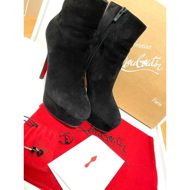 Christian Louboutin(クリスチャンルブタン)の美品⭐︎ルブタン ショートブーツ レディースの靴/シューズ(ブーツ)の商品写真