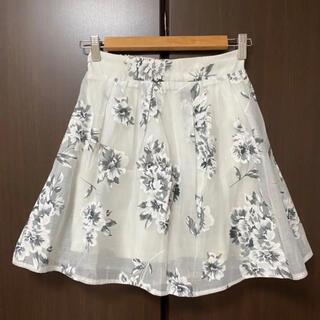 ページボーイ(PAGEBOY)の美品⭐︎花柄スカート Mサイズ ミニスカート(ひざ丈スカート)