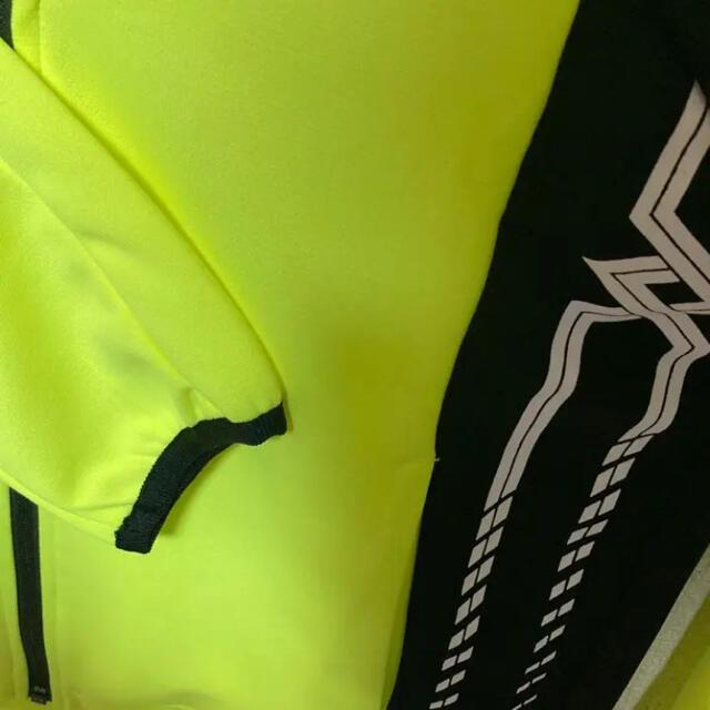 【新品】ミズノ  mizuno  メンズ ジャケット ウエア 黒×黄 Sサイズ スポーツ/アウトドアのランニング(ウェア)の商品写真