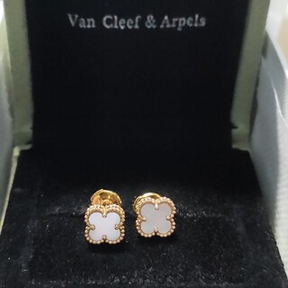 Van Cleef & Arpels - ヴァンクリーフアーペル スウィートアルハンブラピアス