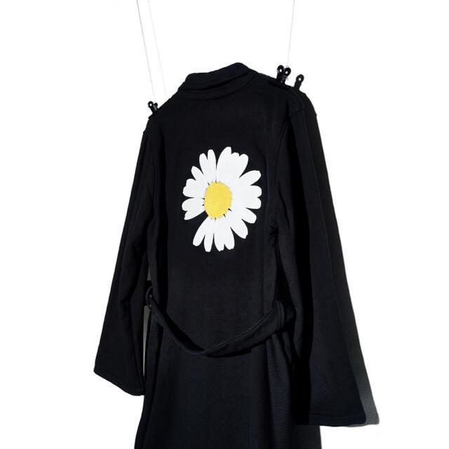 PEACEMINUSONE(ピースマイナスワン)の(即完売品) PEACEMINUSONE - PMO ROBE #1 BLACK メンズのジャケット/アウター(トレンチコート)の商品写真