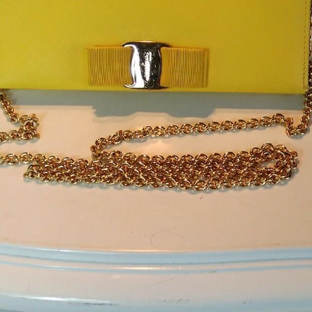 Ferragamo(フェラガモ)の正規Salvatore Ferragamoチェーンショルダーウォレット レディースのバッグ(ショルダーバッグ)の商品写真