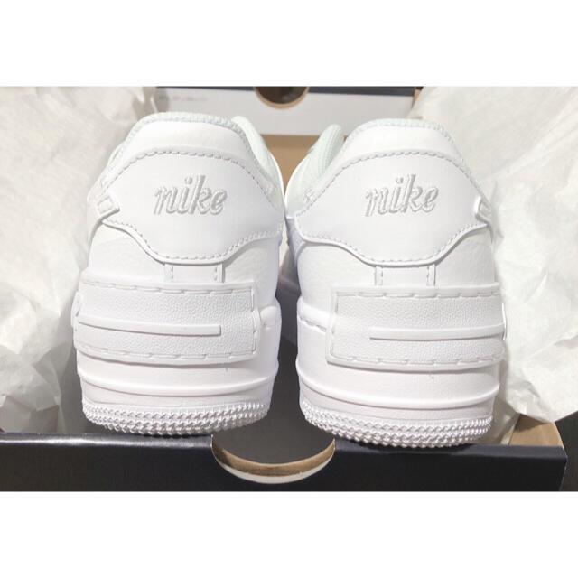 NIKE(ナイキ)のNIKEナイキ エアフォース1 シャドウ23,0cm トリプルホワイトウィメンズ レディースの靴/シューズ(スニーカー)の商品写真