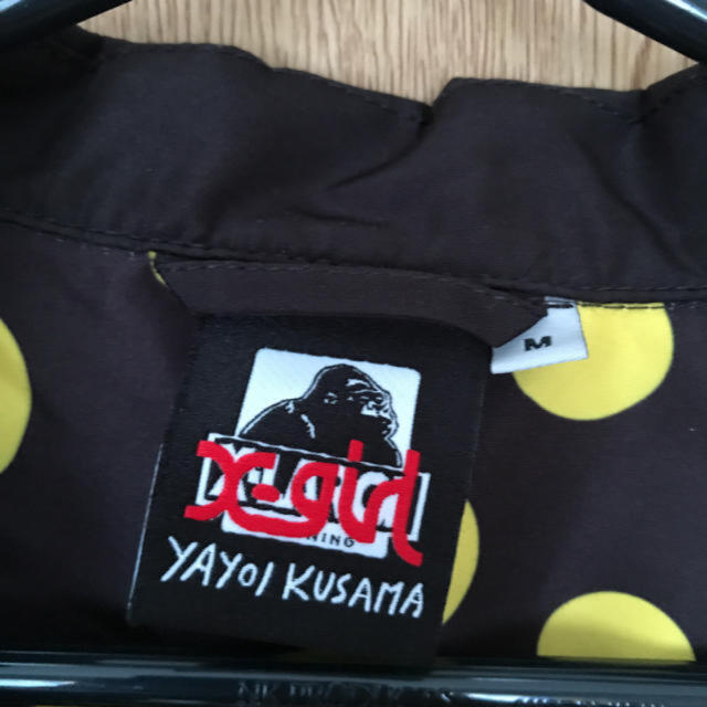 XLARGE(エクストララージ)の激レア!X-LARGE × X-girl×草間彌生 コーチジャケット サイズM メンズのジャケット/アウター(ナイロンジャケット)の商品写真