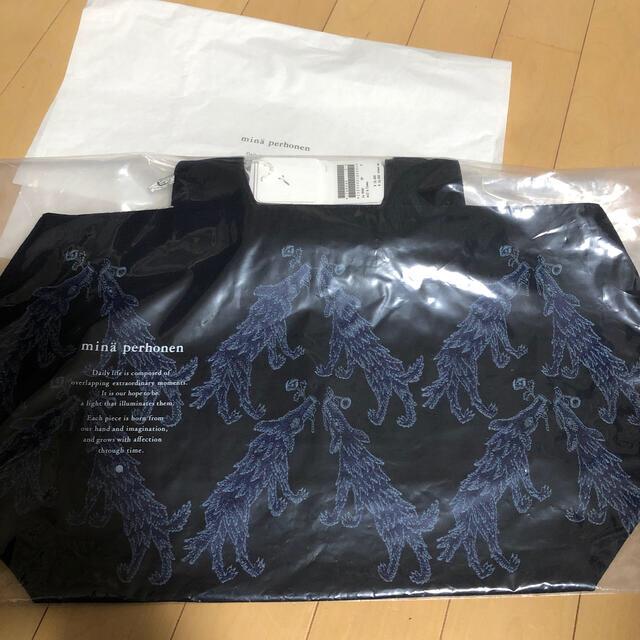 mina perhonen(ミナペルホネン)のミナペルホネン パニーニバッグ wolf&flower  レディースのバッグ(トートバッグ)の商品写真