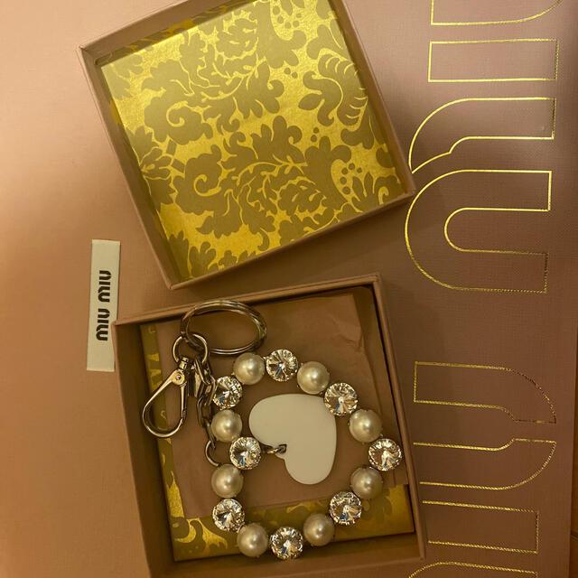 miumiu(ミュウミュウ)のmiumiu チャーム レディースのファッション小物(キーホルダー)の商品写真