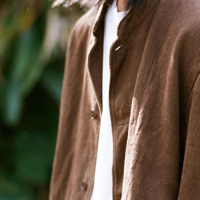 COMOLI(コモリ)のcomoli ヘンプダックスタンドカラージャケットsiz2 新品未使用 メンズのジャケット/アウター(ノーカラージャケット)の商品写真