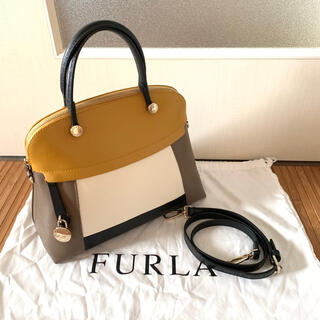 Furla - お値下げ 美品 FURLA  パイパー Mサイズ マルチカラー