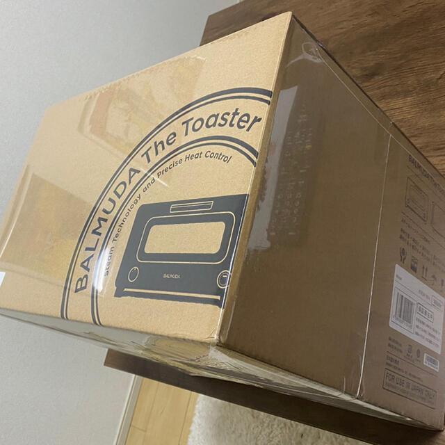BALMUDA(バルミューダ)の【新品未使用】BALMUDA The Toaster K05A-WH スマホ/家電/カメラの調理家電(調理機器)の商品写真