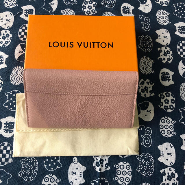 LOUIS VUITTON(ルイヴィトン)のルイヴィトン ポルトフォイユ カプシーヌ 二つ折り長財布 レザー マグノリア レディースのファッション小物(財布)の商品写真