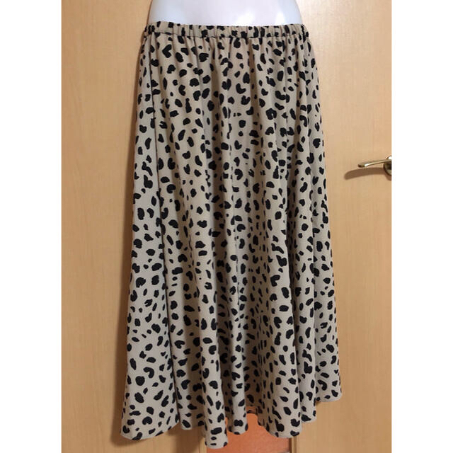 Mila Owen(ミラオーウェン)のミラオーウェン ダルメシアン柄 ロングスカート レディースのスカート(ロングスカート)の商品写真