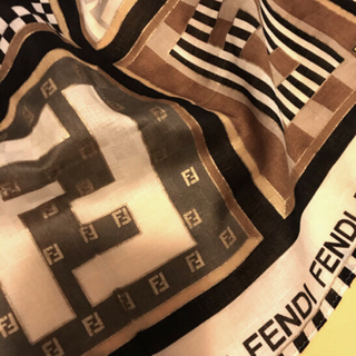 FENDI - フェンディ ハンカチスカーフ   アイコンだよ全員集合シリーズ ブラウン系