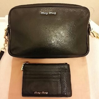 miumiu - ミュウミュウ マドラス ショルダー ポシェット バッグ カードケース  ブラック