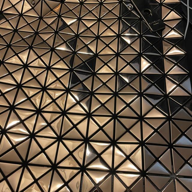 ISSEY MIYAKE(イッセイミヤケ)のISSEY MIYAKE BAO BAO PLATINUM コパー レディースのバッグ(トートバッグ)の商品写真