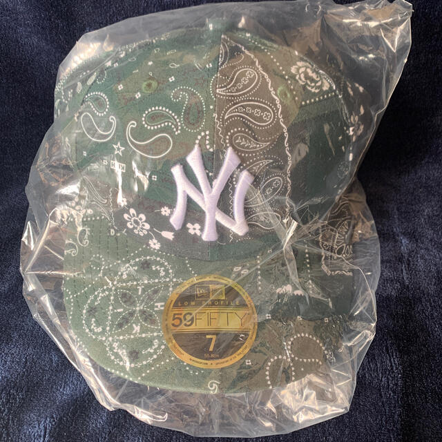 NEW ERA(ニューエラー)のKITH FOR NEW ERA YANKEES BANDANA  メンズの帽子(キャップ)の商品写真