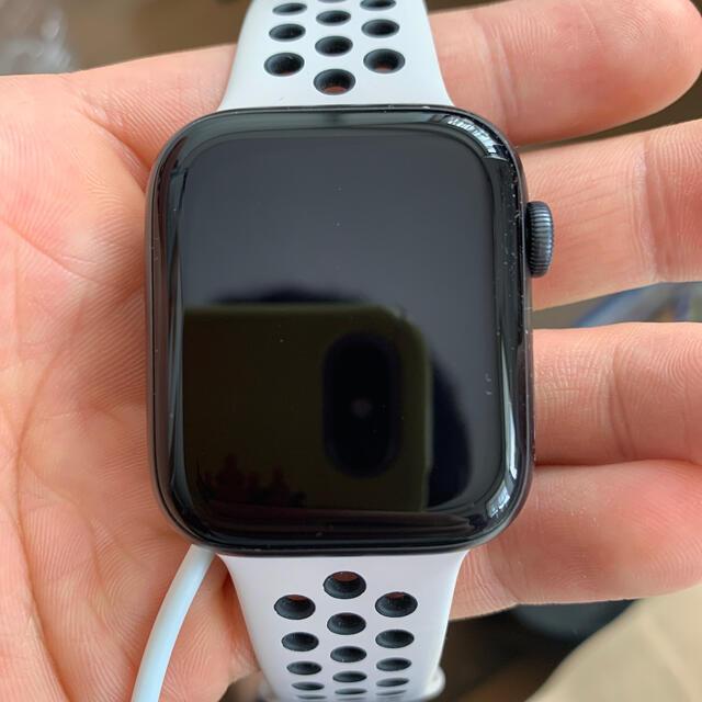 Apple Watch(アップルウォッチ)のApple Watch series5 本体 GPS 44mm ナイキモデル メンズの時計(腕時計(デジタル))の商品写真